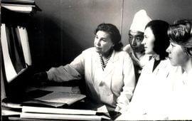 7 Заведующая рентгенологического отделения Т.Д. Андреева проводит занятия с ординаторами